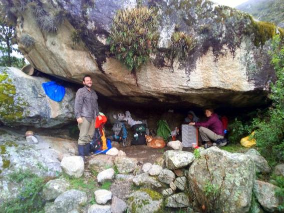 Höhlenmenschen suchen ein Zuhause
