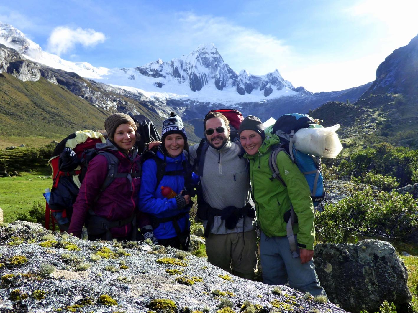 vor dem Nevado Taulliraju 5830 m